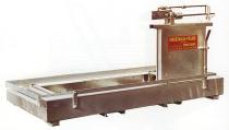 MEKANISK VEKT PM 40 Mekanisk vekt til behandlingsbokser. Behandlingsboksen plasseres på vekten. Finnes i lengdene 2,20m og 2,50m.